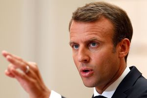Протесты во Франции: Макрон сделал жесткое заявление