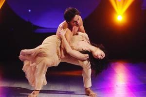 """Это очень чувственно: Екатерина Кухар станцевала с мужем на """"Танцах со звездами"""""""