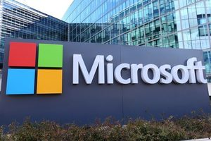 Microsoft победил Apple впервые за 8 лет