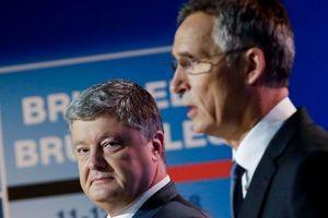 Порошенко проводит разговор с генсеком НАТО