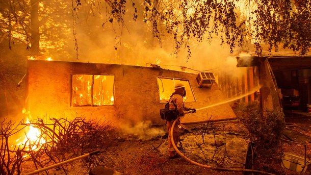 Самый разрушительный вистории Калифорнии пожар локализован на95%