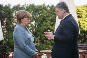 Порошенко созвонился с Меркель: стали известны детали разговора