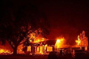 В Калифорнии после лесных пожаров более 200 человек считаются пропавшими без вести