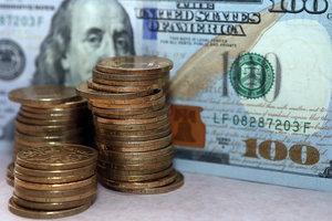Военное положение взвинтило курс доллара