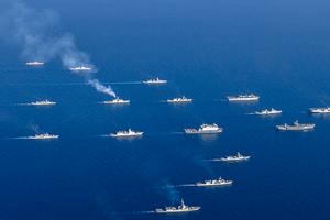 НАТО может направить корабли в Черное море для поддержки Украины – Порошенко