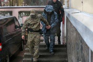 Еще двух украинских моряков арестовали на два месяца