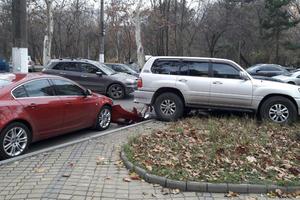 В Одессе произошло масштабное ДТП с элитными автомобилями: опубликованы фото