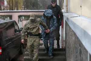 Россия держит в заложниках уже более 80 украинцев