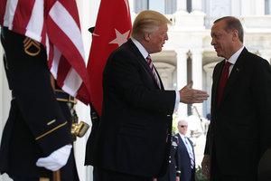 Трамп и Эрдоган обсудили атаку РФ на военные корабли Украины в Керченском проливе