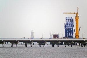 """Цены на нефть пробили годовое """"дно"""""""