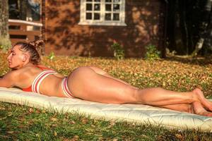 Сексуальные фото в бикини Александры Албу, которая возвращается в UFC