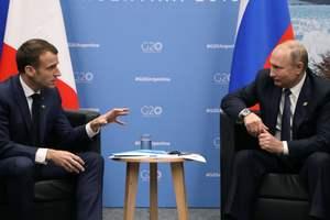 Путин и Макрон обсудили ситуацию в Украине и Сирии