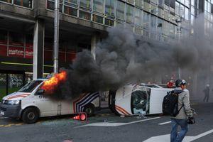 """В Бельгии протесты """"желтых жилетов"""" переросли в погромы, десятки задержанных"""