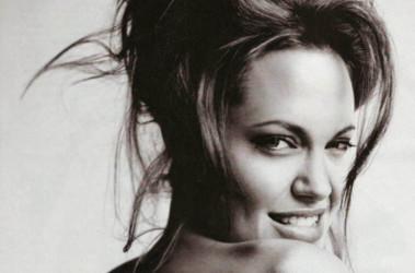Анжелину Джоли прочат на роль Женщины-кошки