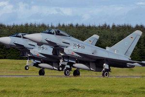 Истребители НАТО проведут боевые учения у границ России