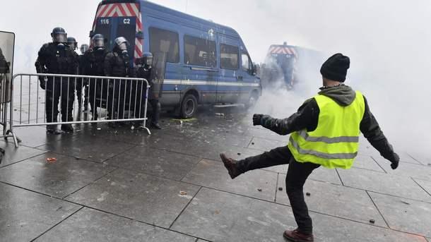 «Желтые жилеты» могут взять Париж под контроль