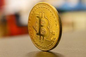 Швейцарские криптовалютные стартапы смогут принимать депозиты до 100 млн долларов