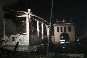 На Прикарпатье сгорела церковь: пожар тушили три часа