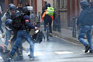 В чемпионате Франции перенесут еще один матч из-за массовых протестов
