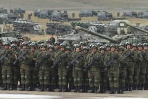 На границе с Украиной стоит 100-тысячное российское войско – Полторак