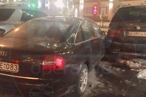На Теремках пьяный водитель Peugeot протаранил BMW и Audi