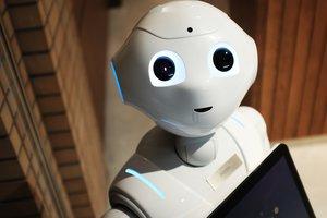 Банкиры-роботы и голосовые платежи: скоро на рынке банковских услуг