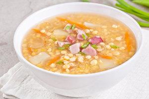 Рецепт дня: гороховый суп с копченостями