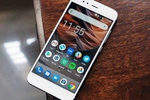 "Cмартфон Xiaomi получил ""голый"" Android 9.0: фото"