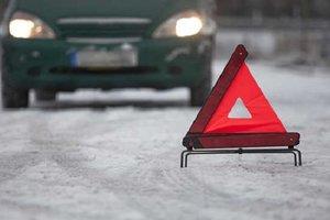 Во Львовской области столкнулись автобус и легковушка: погиб водитель, пятеро травмировались