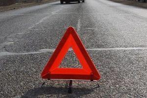В Сумской области автомобиль насмерть сбил мужчину и скрылся с места ДТП