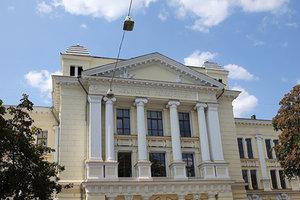 В Одессе неизвестные захватили медицинский университет