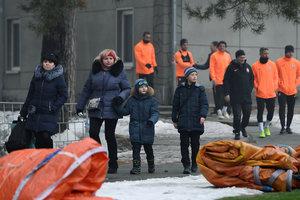 """60 детей на клубном автобусе """"Шахтера"""" приехали на тренировку команды накануне Лиги чемпионов"""