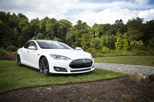 Tesla для европейского региона теперь можно купить в Украине