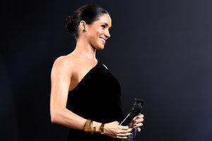 В вечернем платье Givenchy: Меган Маркл удивила всех своим появлением на The Fashion Awards