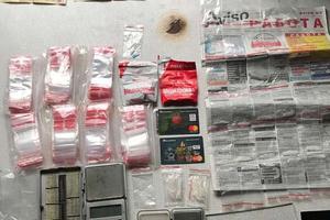 Распространяли метамфетамин: в Днепре задержали банду наркодилеров