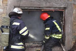 В Николаеве горел жилой дом: спасатели обнаружили тело мужчины
