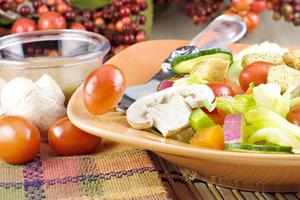 Вкусные салаты на Новый год: ТОП-5 оригинальных рецептов