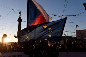 Сенат Чехии призвал ЕС осудить российскую агрессию на Азове