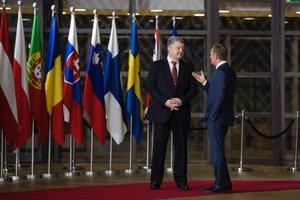 Порошенко в Брюсселе выразил уверенность, что Россия уже изолирована