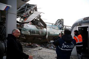 Выросло количество погибших в аварии с поездами в Турции