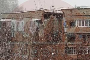 В Фастове прогремел взрыв в жилом доме: значительная часть здания разрушена