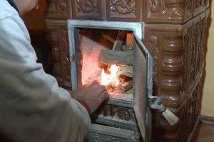 Губительное тепло: во Львовской области три человека отравились угарным газом