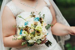 Уральская невеста с нестандартной внешностью взорвала интернет