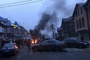 Народный бунт на Закарпатье: жители Нижней Апши объявили бессрочный протест