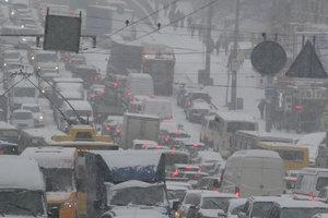 В Киеве ограничат проезд автомобилей по улице Богатырской