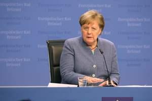 Отмены санкций против России не предвидится: Меркель назвала причину