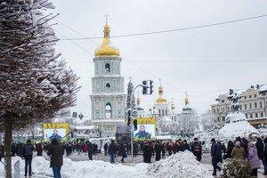 Украинские флаги и колокольня в снегу: как выглядит Софийская площадь в ожидании решения Собора