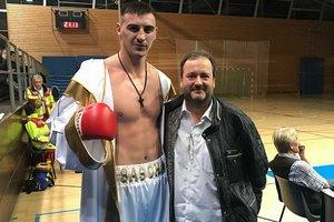 Украинский гигант Захожий нокаутировал соперника в Киеве