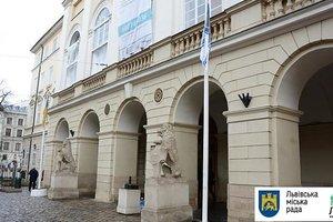 Львове тысяча бойцов - участников АТО / ООС получили по сто тысяч гривен