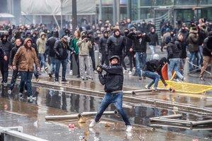 Европу охватили протесты: в каких странах гремят демонстрации и чего хотят их участники